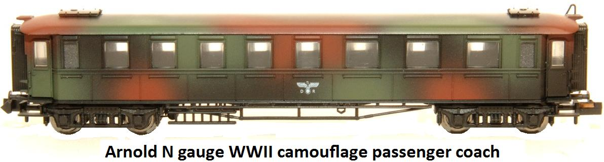 Arnold 0186 WWII Camouflage car in N gauge