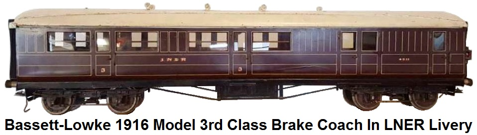 Bassett-Lowke 1916 model in LNER livery, brake third coach